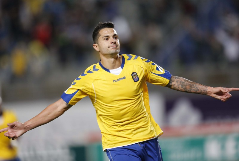 Latest transfer rumours: Spanish top clubs in the race for Las Palmas midfielder Vitolo